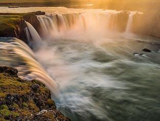 여름 7일 렌트카 여행 패키지   아이슬란드 북부 & 뮈바튼 여행