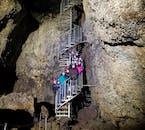 1泊2日スナイフェルスネス半島ツアー|溶岩洞窟探検のオプション付き