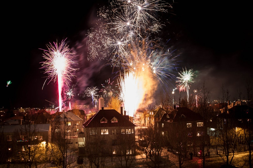 Reykjavík fireworks on New Year's Eve, picture by Jonathan Hood