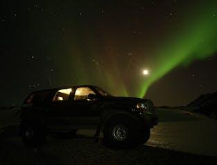 A la caza de la aurora boreal en Super Jeep