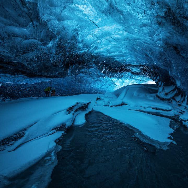 蓝色冬季|10天9夜极致冰岛探险套餐 | 南岸-蓝冰洞-黄金圈-斯奈山-内陆高地兰德曼纳劳卡
