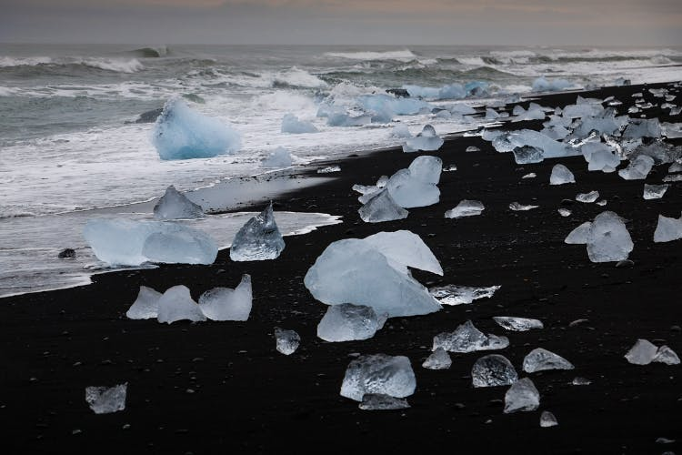 The Diamond Beach varies day to day on how many icebergs it has washed upon it, based on tides, the wind and other conditions.