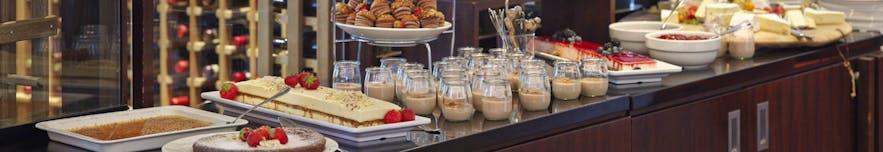 冰岛首都雷克雅未克餐厅VOX早午餐自助