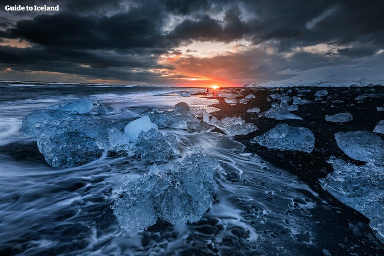 The Diamond Beach is bejewelled with glistening chunks of ice year round.
