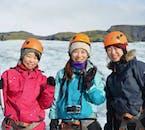 Nimm an einer Gletscherwanderung in Island teil und genieße dieses einmalige und unvergessliche Erlebnis.