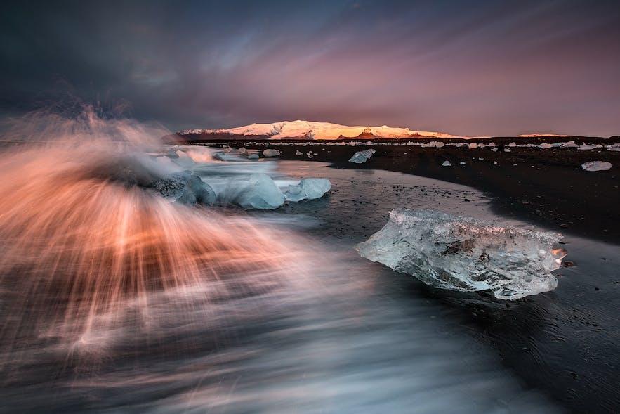 冰岛的钻石冰沙滩