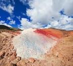 Obszary geotermalne na Islandii mają ogromną paletę barw.