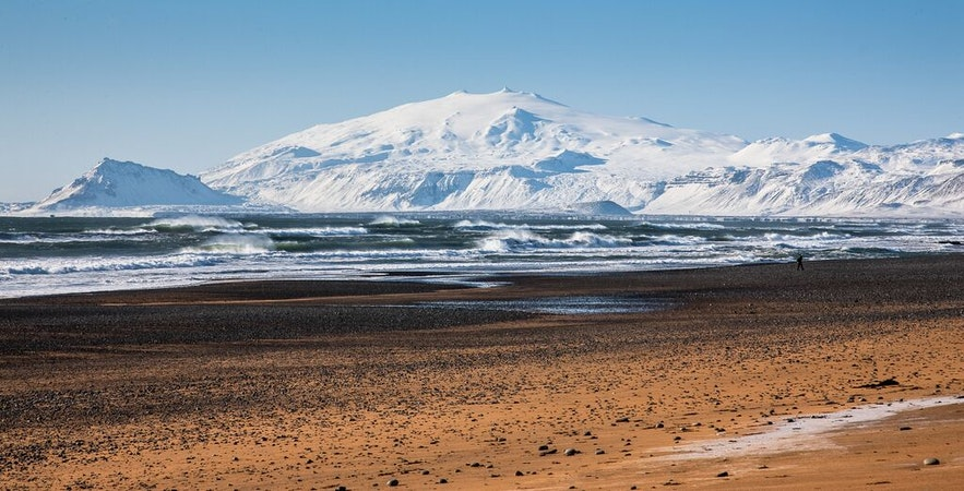 Vue de la plage de l'Hotel Búðir
