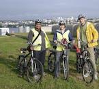レイキャビクの美しい港や周囲の風景が楽しめるサイクリングツアー