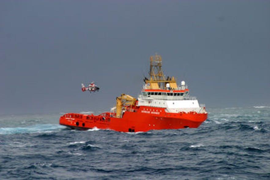 アイスランドでは陸だけでなく海上の救助隊も活躍