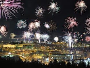 Soirée du Nouvel An à Reykjavik   Entre feu de joie et feux d'artifice