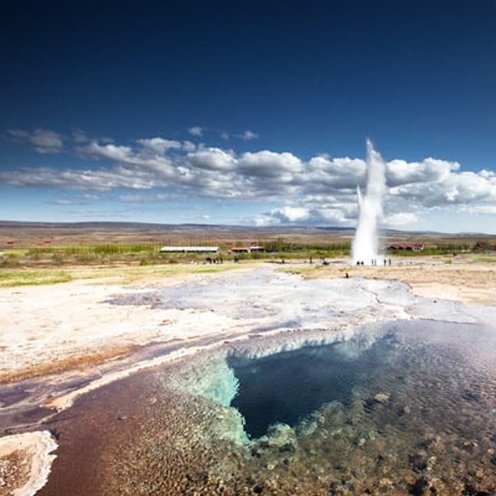 Klasyczna 8-godzinna wycieczka po Złotym Kręgu i do krateru Kerid z transferem z Reykjaviku
