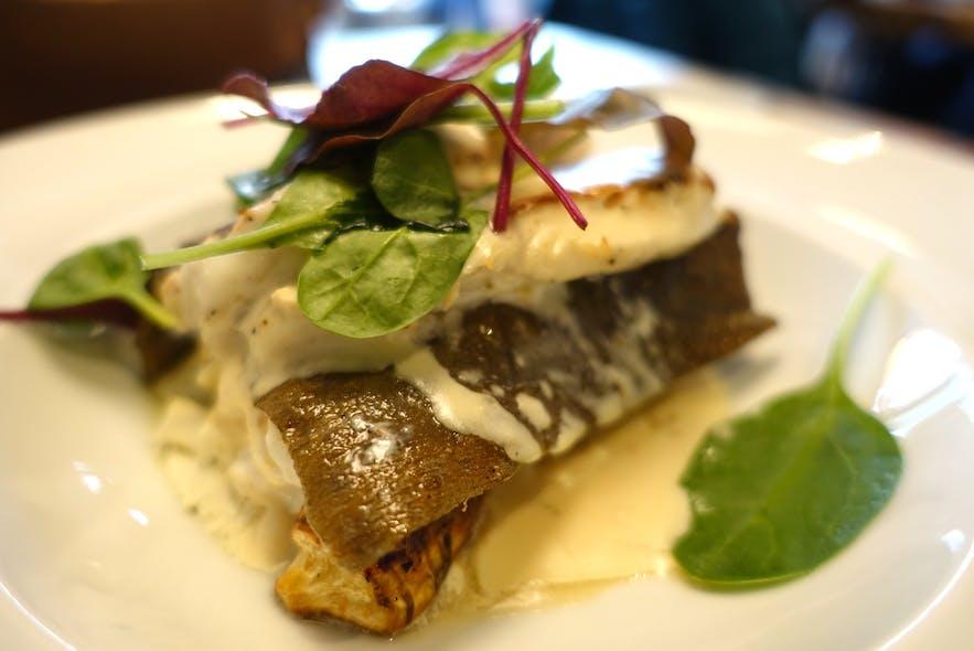 コスパ抜群のオスタブージンの魚料理