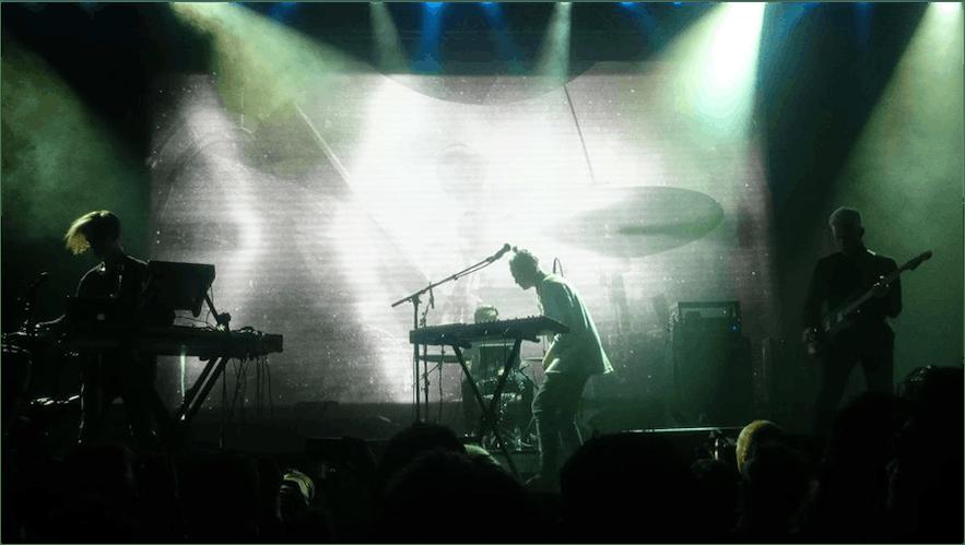 Isländische Musik - Vök beim Iceland Airwaves Musikfestival