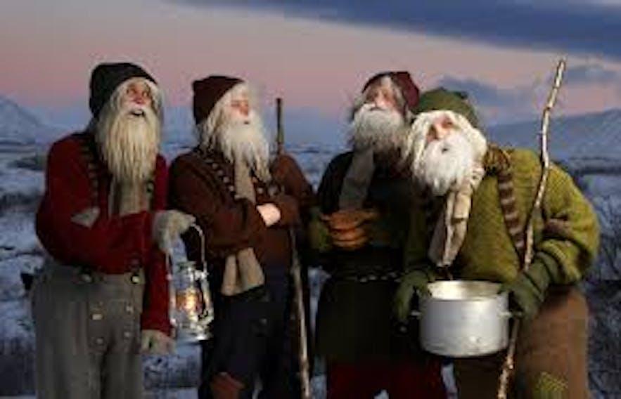 13 Mikołajów w grudniu schodzi z gór do islandzkich miast.