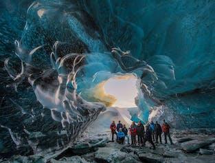 周遊バスツアー3日間|氷の洞窟、ゴールデンサークル、南海岸