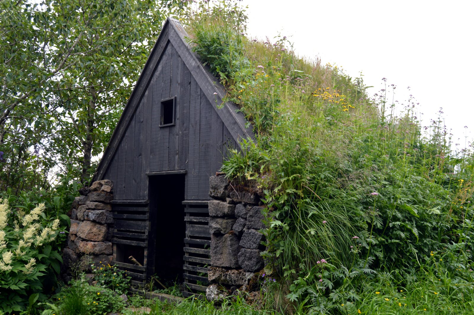 Íslenski bærinn Turf Farm at Austur-Meðalholt in South-Iceland