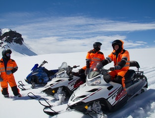 1 hour snowmobile tour from Gullfoss