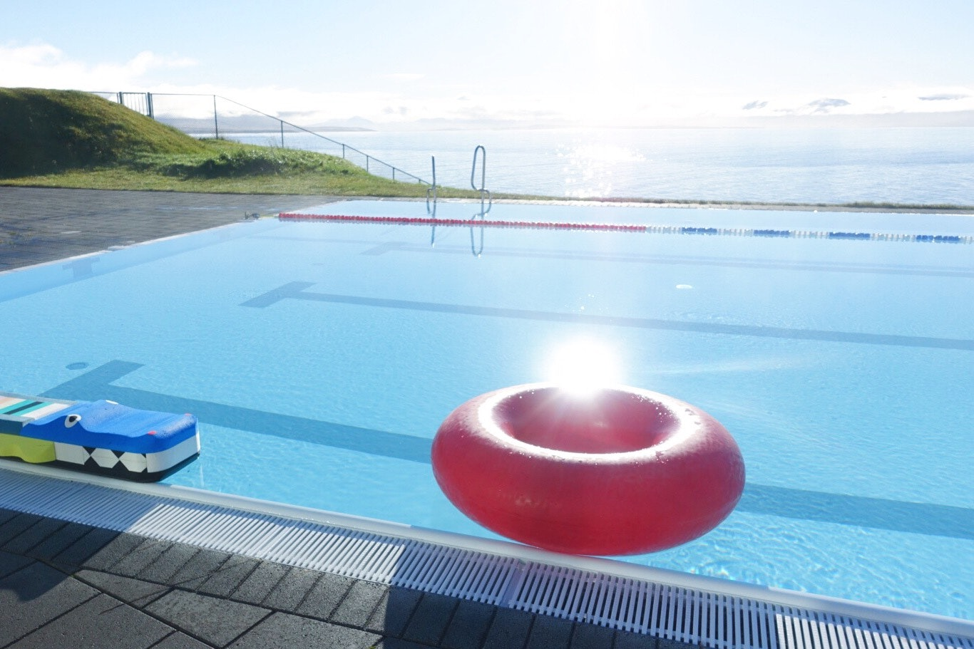 冰岛温泉泳池