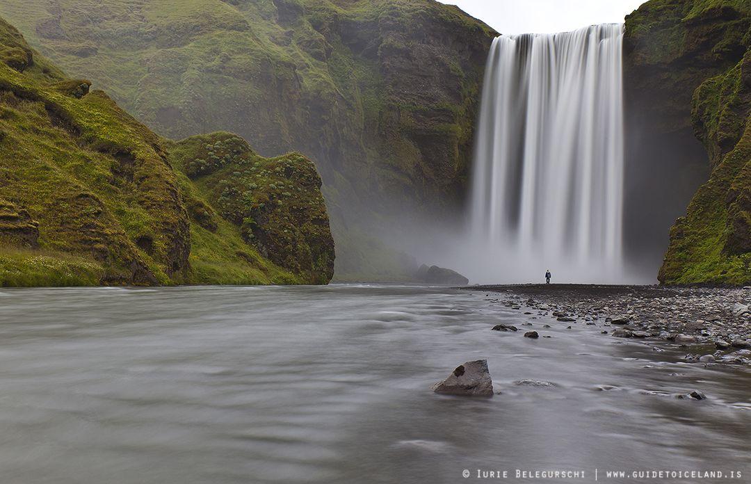 斯科加瀑布(Skógafoss)高60米宽25米,是冰岛南岸主要的旅游景点之一