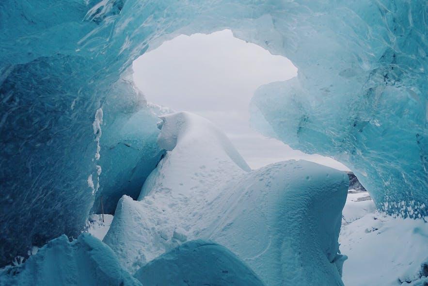 冰岛蓝冰洞洞口