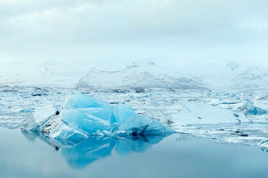 1月份的冰岛杰古沙龙冰河湖