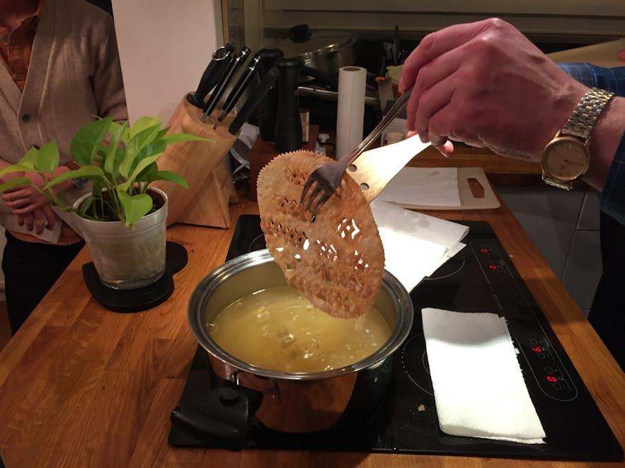 クリスマスのパン作りに挑戦!