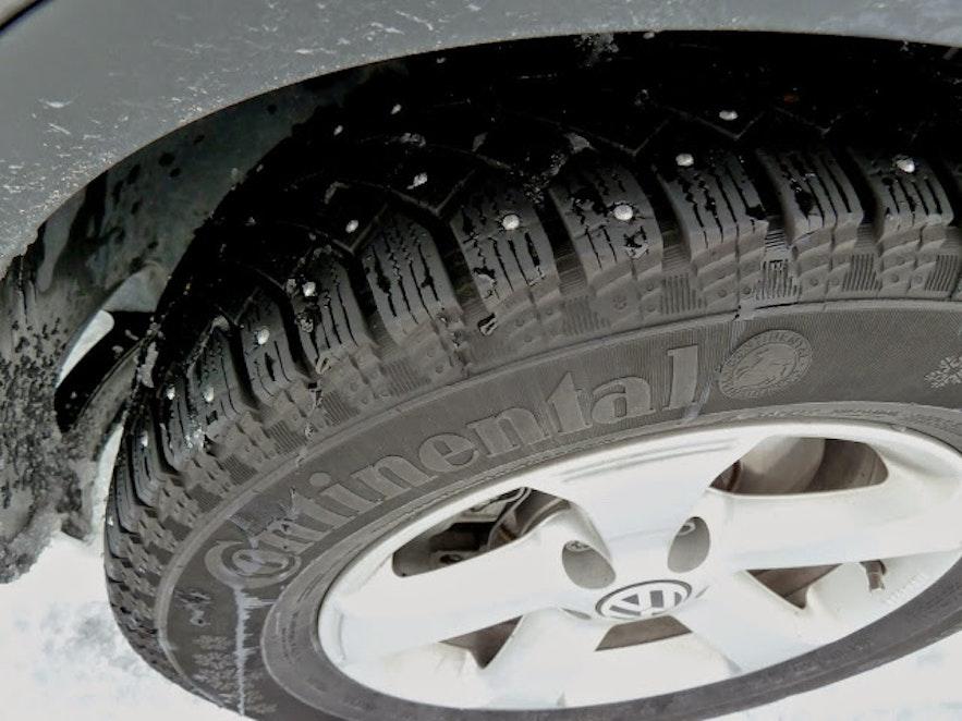 pneu clouté en Islande