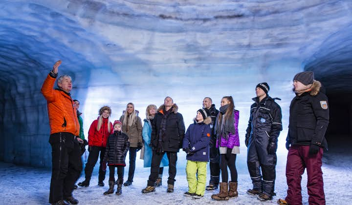 Exploring the ice tunnel in Langjökull glacier is an amazing experience for large groups.