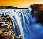 アイスランドを代表する迫力満点の滝、グトルフォス