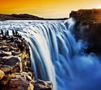 Wodospad Gullfoss jest jednym z najsłynniejszych na Islandii.