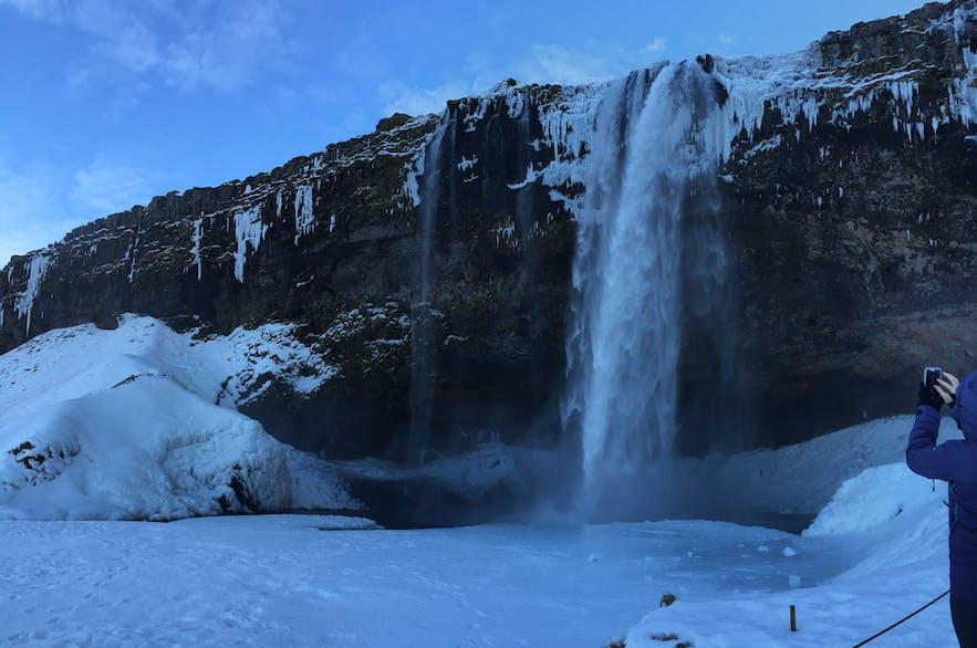 Completo fin de semana incluyendo una visita a la cueva de hielo