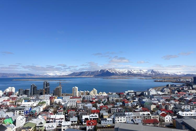 Enjoy Reykjavík's beautiful mountain horizon.