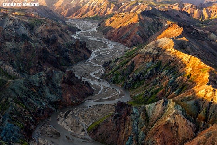 ハイキングコースが有名なアイスランドのランドマンナロイガルエリア