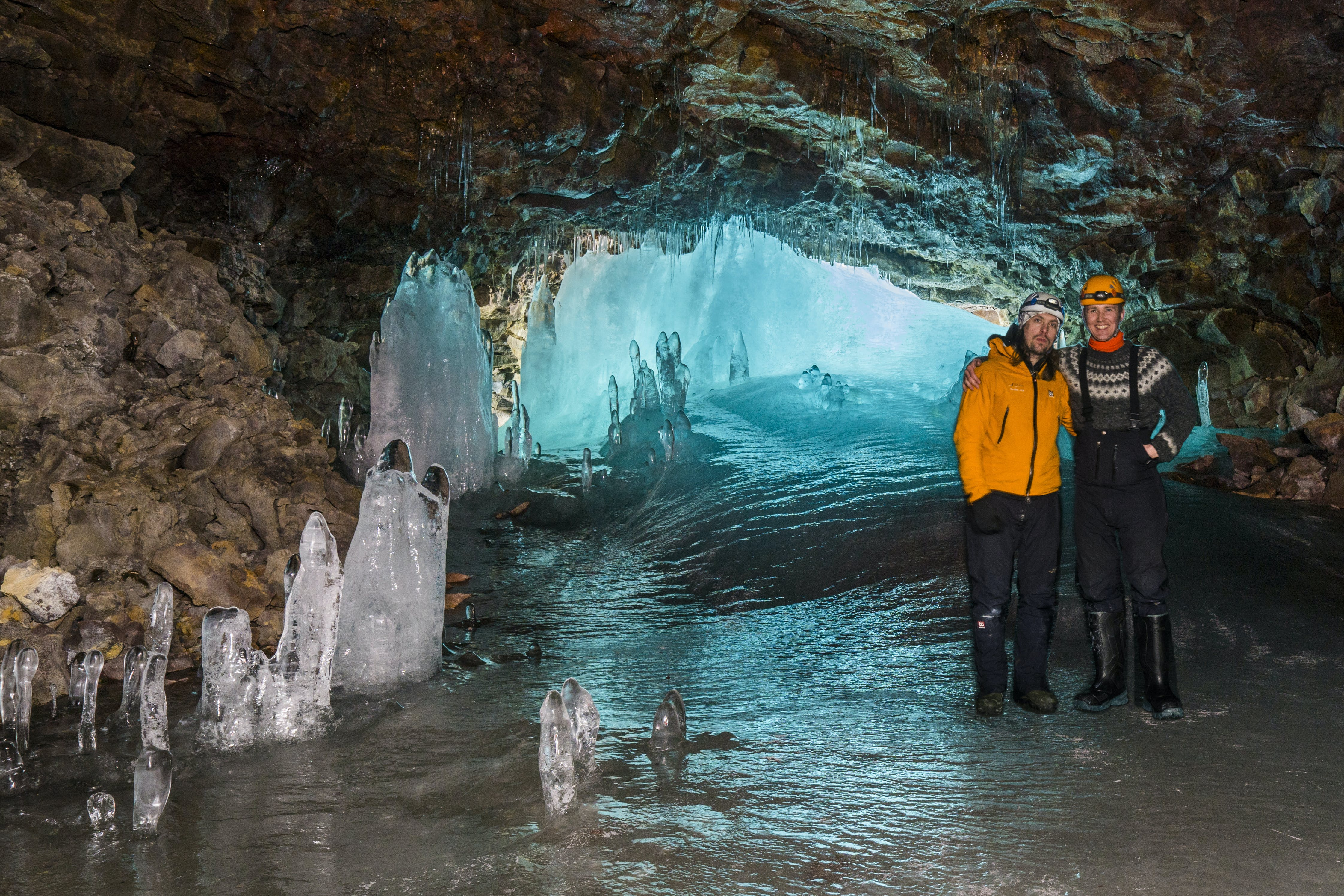 Caving Tour to Lofthellir Cave with Flight from Reykjavik