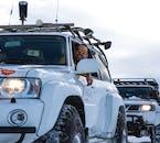 La super jeep est conçue sur mesure pour gérer les routes enneigées du Nord en hiver.
