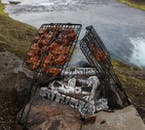 You will stop off en-route through the highlands to cook up some delicious tasting grub!