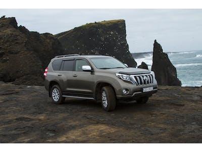Toyota  LandCruiser boîte automatique - 7 places 2018