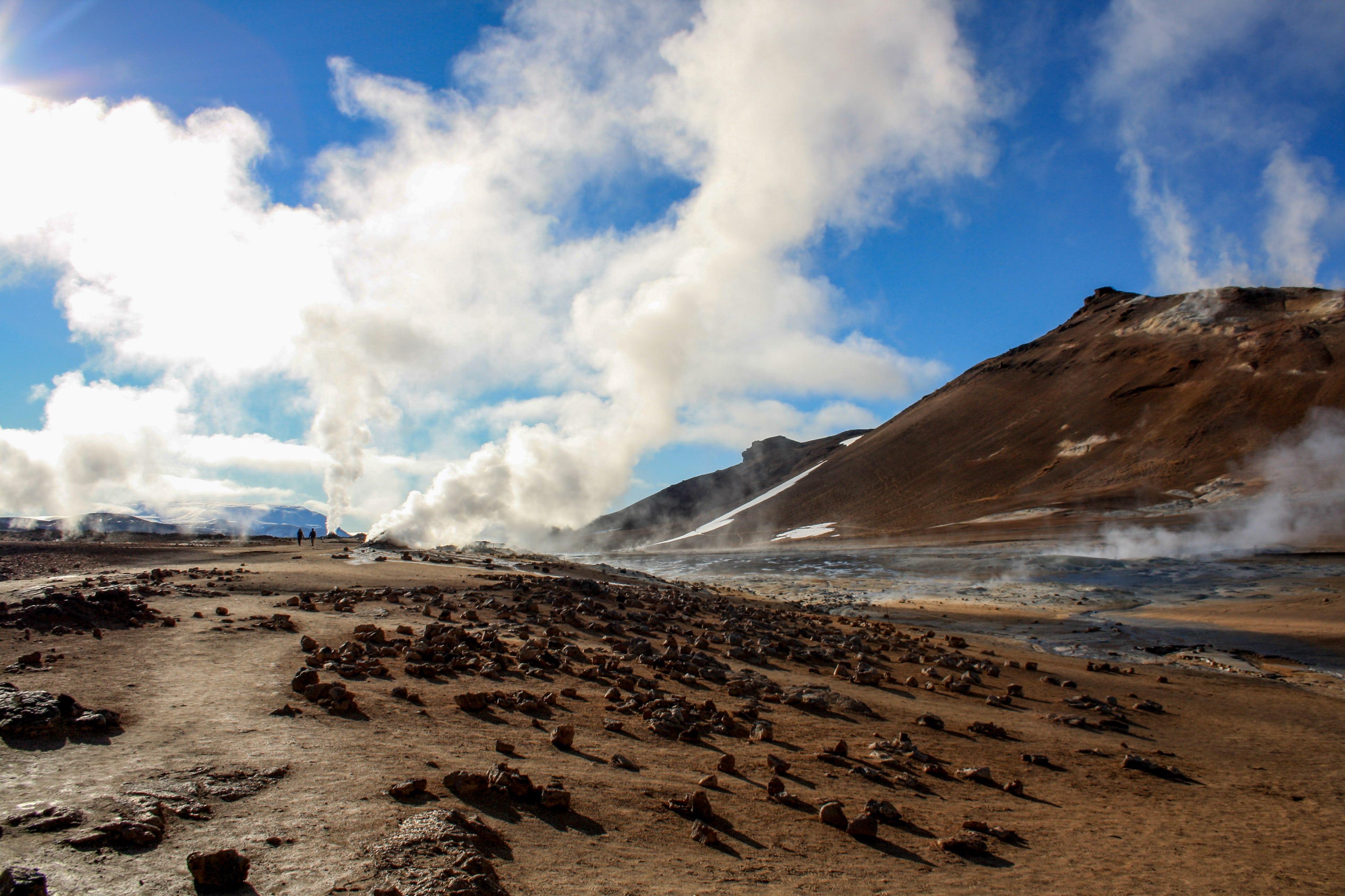 Das Geothermalgebiet Námaskarð erscheint wie von einem anderen Planeten.