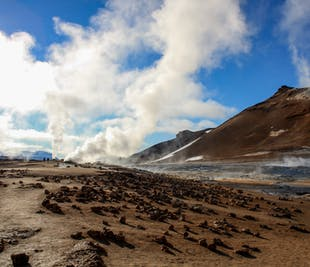 Tour por Myvatn y aguas termales con vuelo incluido desde Reikiavik