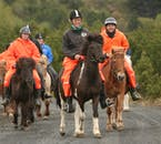 Excursion à cheval dans les champs de lave séchée