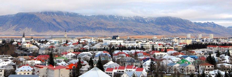 从冰岛首都雷克雅未克珍珠楼鸟瞰首都