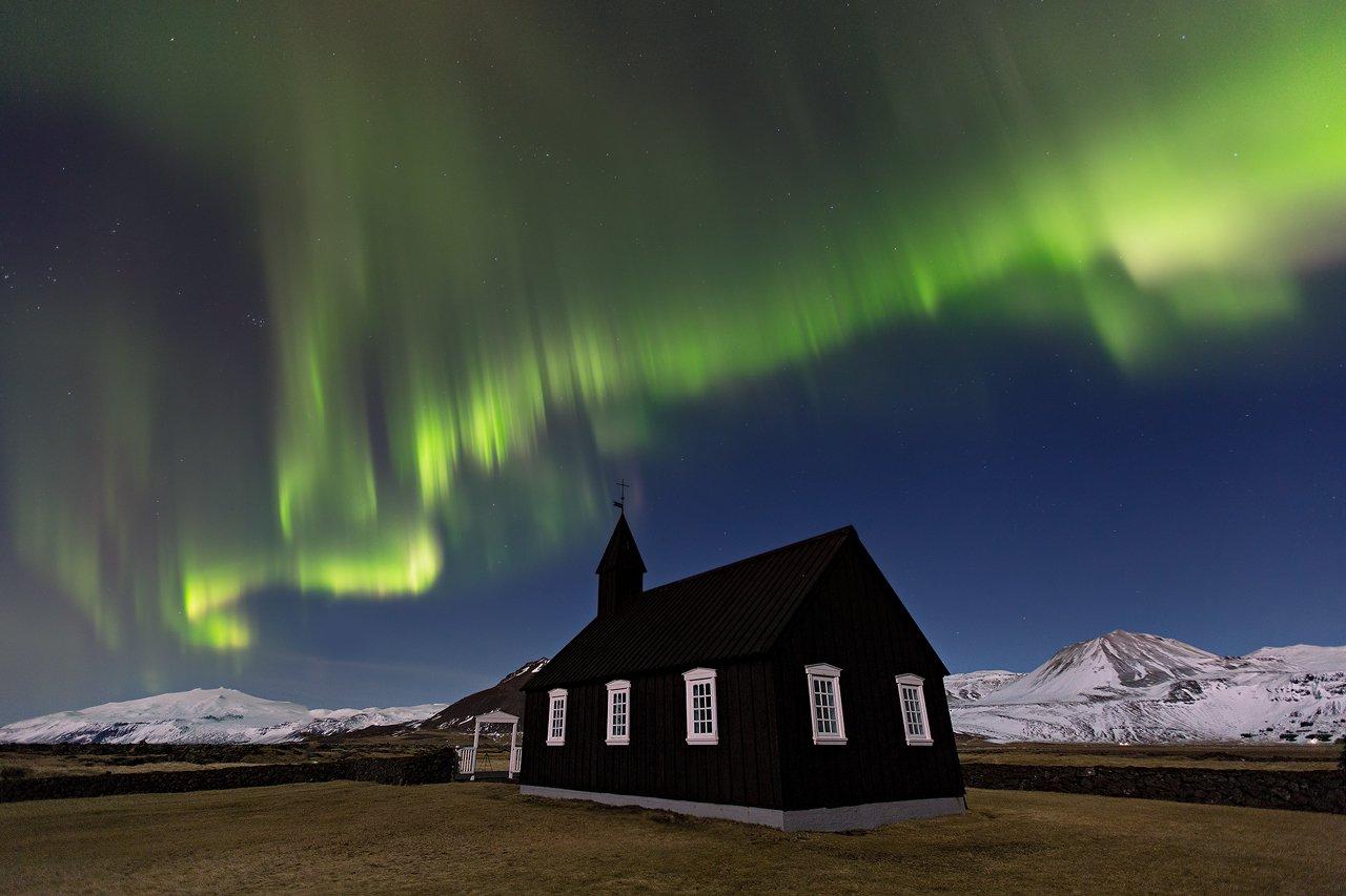 冰岛西部斯奈山半岛齐聚了冰岛绝大部分特色地貌,即使是冬季也便于到达