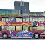 La accesibilidad del autobús Hop On - Hop Off hace que visitar los monumentos de la ciudad sea muy fácil y cómodo.