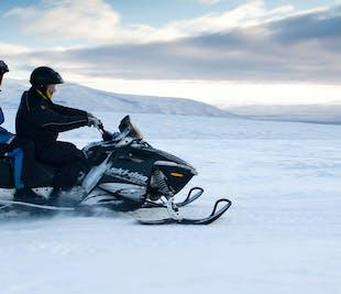 Cercle d'Or & motoneige au glacier Langjökull