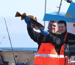 후사비크에서 떠나는 바다 낚시 투어 | 직접 낚은 생선으로 식사까지