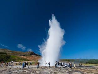 Minibus-Tour zum Golden Circle   Kerið und Erdbebenausstellung