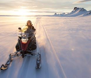 Поездка на снегоходах по леднику Лангйёкюдль