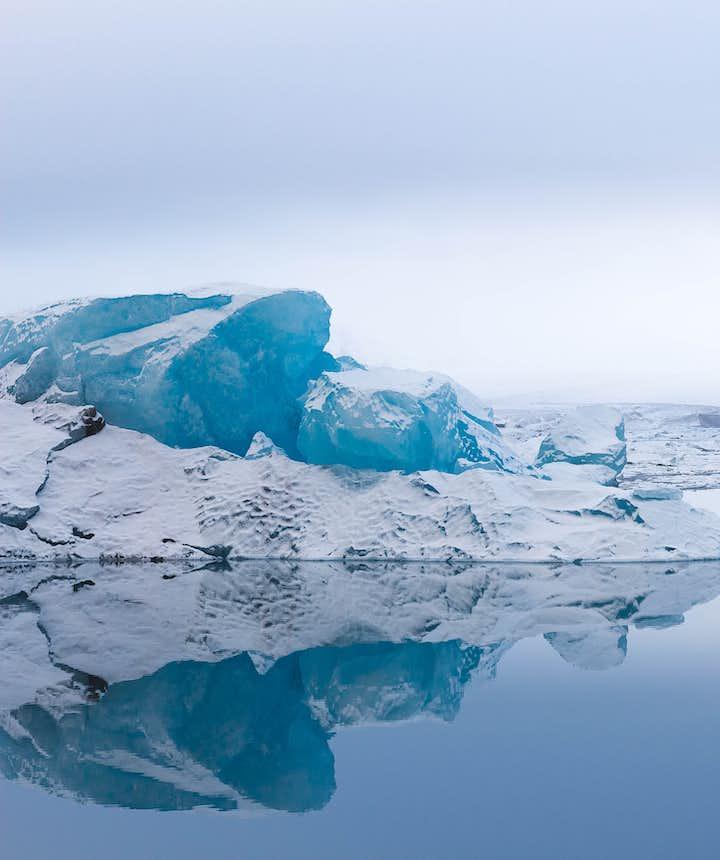 Glacier Lagoon & Diamond Beach - great for adventure photography
