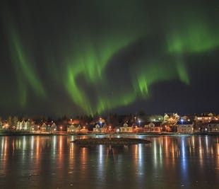 Excursión para ver auroras boreales desde Reikiavik en inglés y español